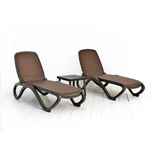 Ensemble de 2 chaises longues Omaga (de tissu Caffe/Trama) avec table latérale Rodi