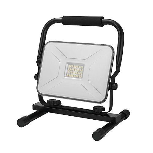 Globe Electric Lampe de travail portable enfichable à DEL intégrée de 30 Watts, 2100 Lumens, noir