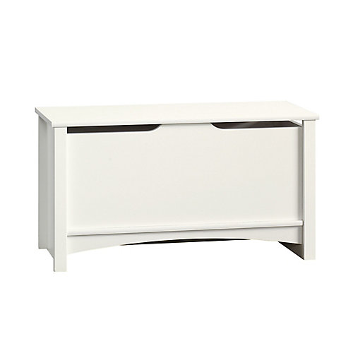 Shoal Creek Storage Chest in Soft White