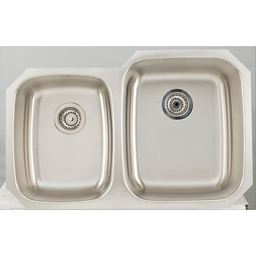 32.12-inch W Double Bowl Undermount Kitchen Sink For a Deck Mount Drilling with Gauge 18