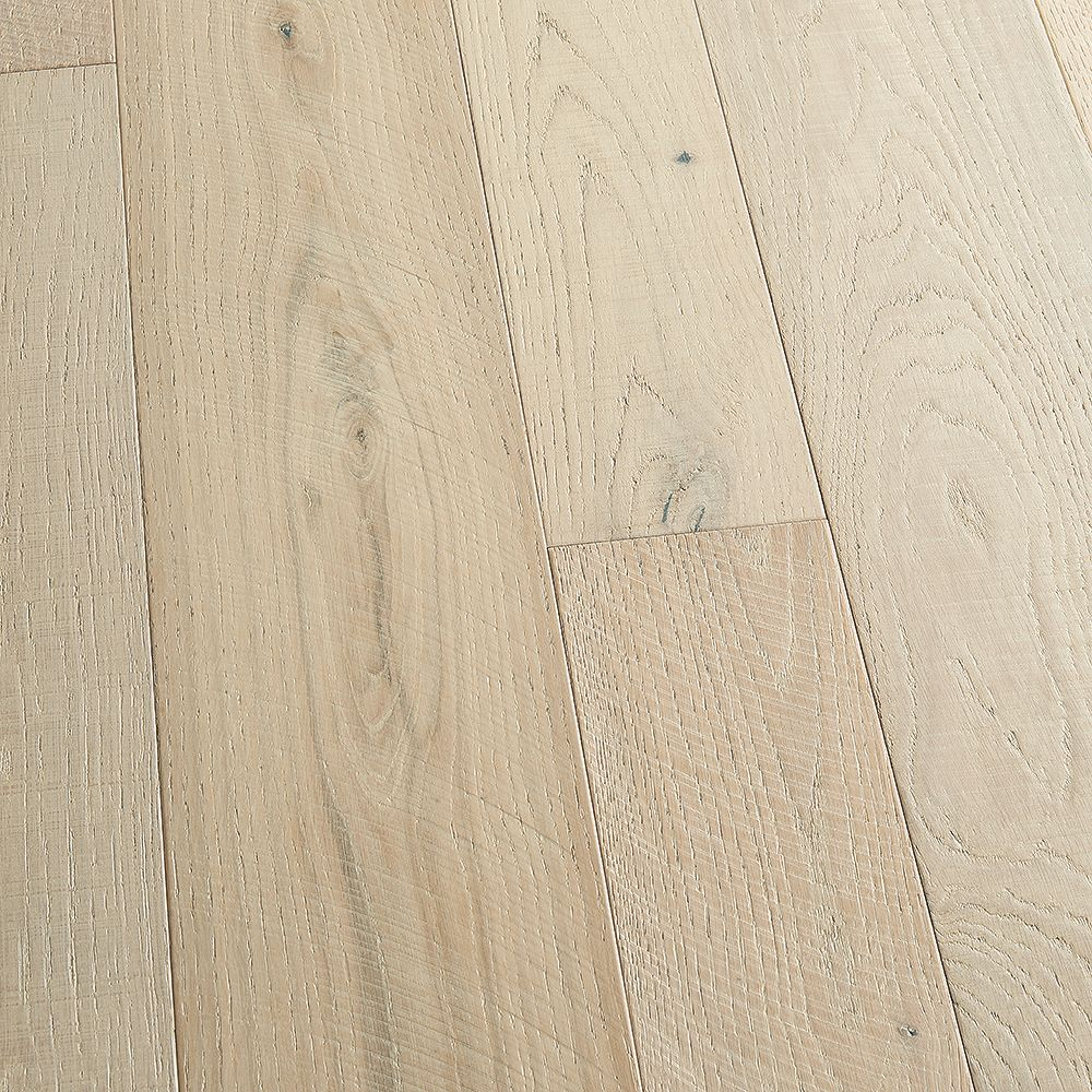 Malibu Wide Plank French Oak Seacliff 3/8-inch x 4 and 6-inch x Varying Length Click Hardwood Flooring (19.84 sq.ft./case)