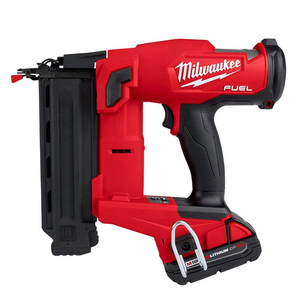 Milwaukee Tool M18 FUEL GEN II 18V Li-Ion Brushless Brad Nailer Kit avec (1) 2.0 Ah batterie, chargeur et sacoche