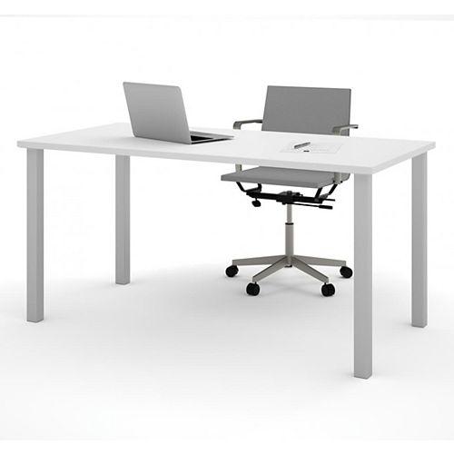 Table  30 po. x 60 po. avec pattes de métal carrées - Blanc