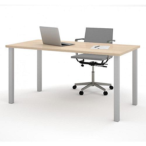 Table  30 po. x 60 po. avec pattes de métal carrées - Érable du Nord