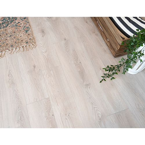 Belmont Oak 12 mm Thick x 8.03-inch Wide x 47.64-inch Length  Laminate Flooring(15.94 sq. ft. / case)
