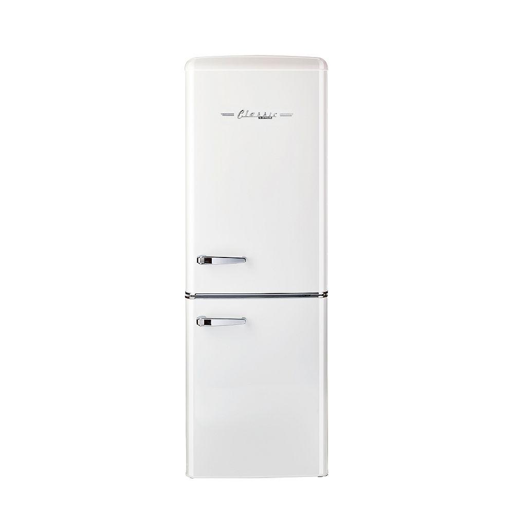 Unique Retro 21.6-inch 7 cu. ft. Bottom Freezer Refrigerator