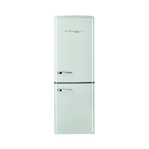Réfrigérateur, 7 cu/pi, congélateur en bas rétro de 21,6 po, vert pale
