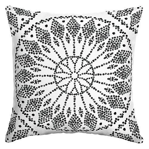 Knotted Medallion Outdoor Square Throw Pillow