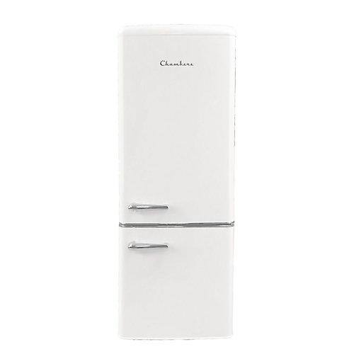 Réfrigérateur inférieur de 7 pi3 en blanc givré