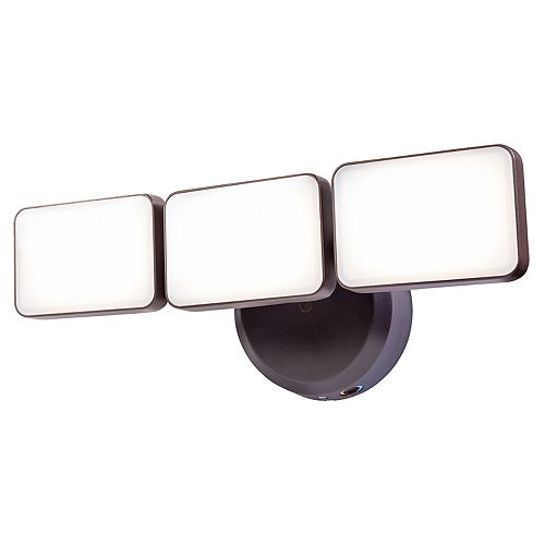 3 Head Bronze LED Dusk to Dawn Activated Light with Adjustable Color Temperature