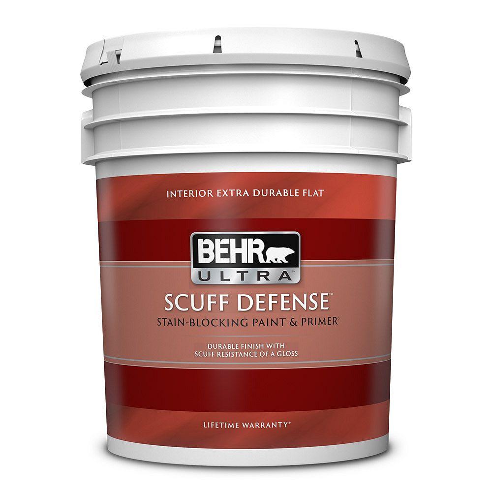 BEHR ULTRA SCUFF DEFENSE Peinture et apprêt d'intérieur très durable à fini mat - Blanc ultra pur, 18,9 L