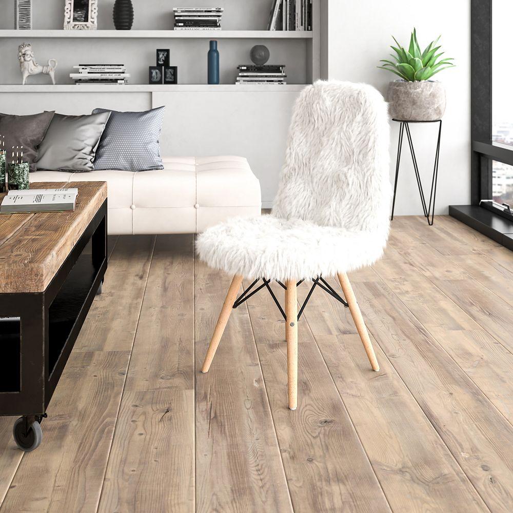 Flash Furniture White Shaggy Chair