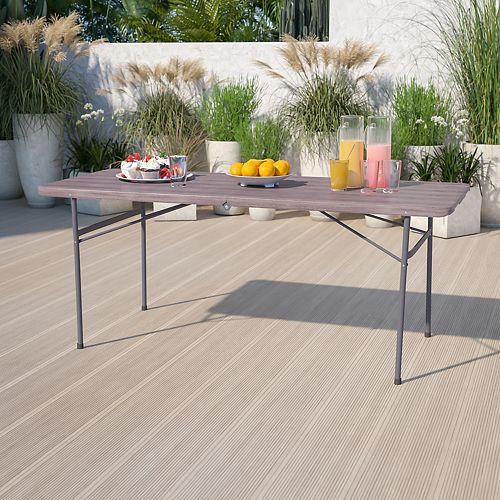 Table pliante en plastique brun de 30 x 72