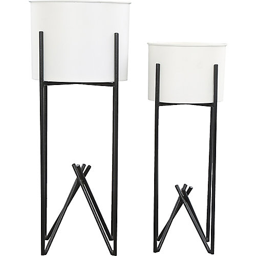 Tamma Iron Decorative Indoor and Outdoor Planter in White and Black (Set of 2)
