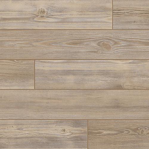 Clean Edge Maple 7.5-inch x 47.6-inch Luxury Vinyl Plank Flooring (19.8 sq. ft. / case)