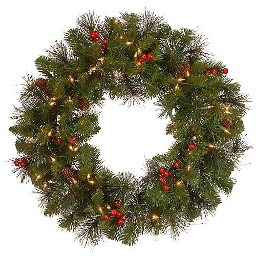 24 Crestwood Spruce Wreath with Clear Lights