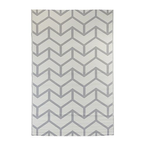 Arrow Fish Grey 7 ft. 10-inch x 11 ft. 6-inch Outdoor Area Rug