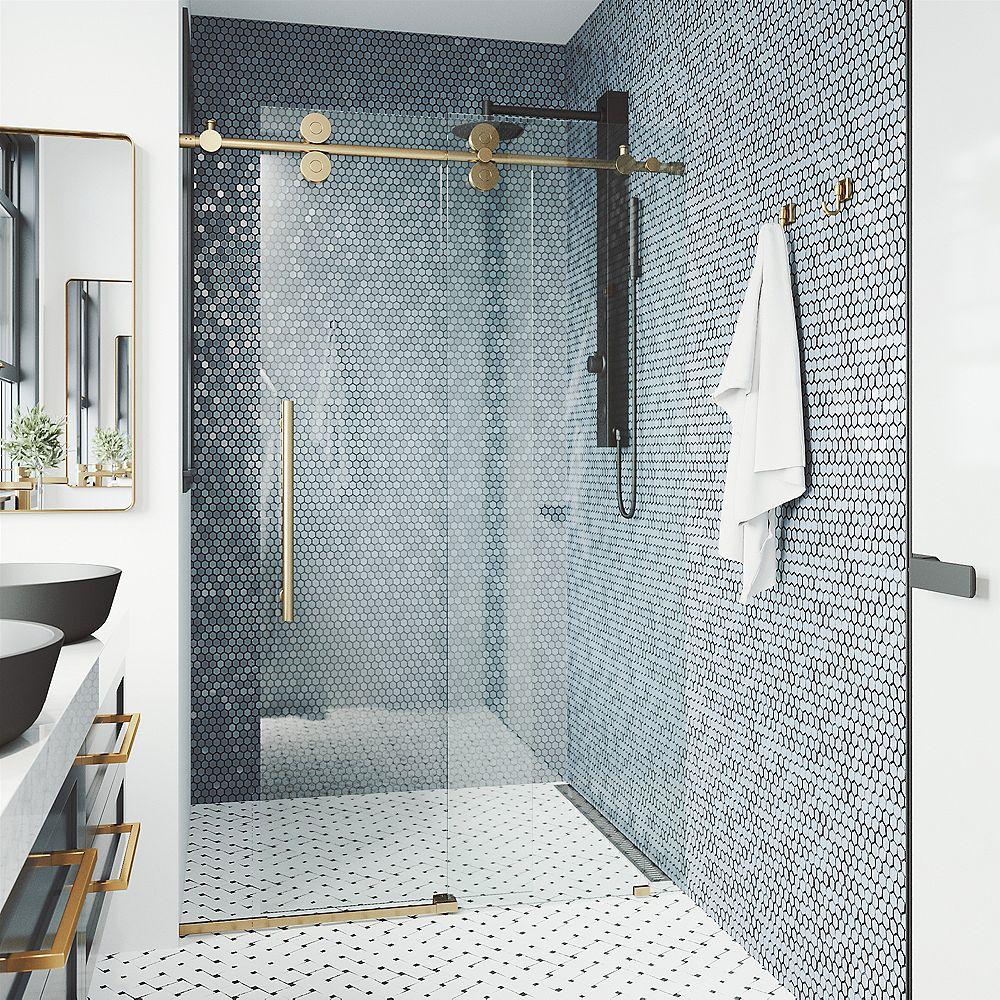 VIGO Porte de douche coulissante sans cadre Elan 64 à 68 po. x 74 po. Porte de douche coulissante sans cadre en or brossé mat avec verre clair et poignée