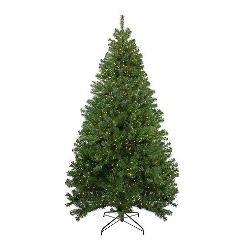 7.5' Pre-lit Deer River Spruce LED Artificial Christmas Tree - Warm White Lights