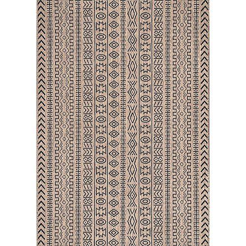 Outdoor Jamie Brown 5 ft. 3-inch x 7 ft. 6-inch Indoor/Outdoor Area Rug