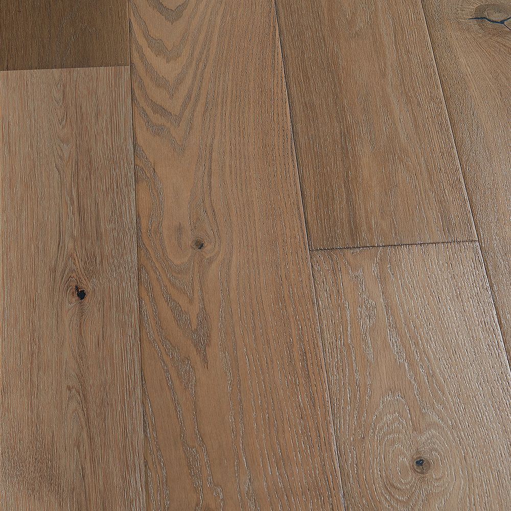 Malibu Wide Plank French Oak Key West 9/16-inch Thick x 8.66-inch W x Engineered Hardwood Flooring (27.14 sq. ft./case)