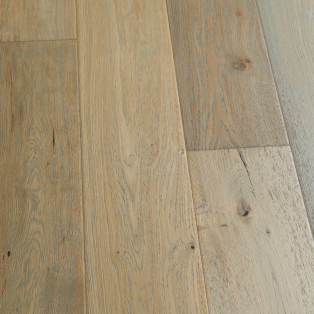 Malibu Wide Plank French Oak Surfside 9/16-inch Thick x 8.66-inch W x Engineered Hardwood Flooring (27.14 sq. ft./case)
