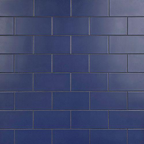 Merola Tile Carreau mural et de sol intercalé Projectos, 7 3/4 po x 3 7/8 po, céramique, bleu mat, 11,46 pi2/bte