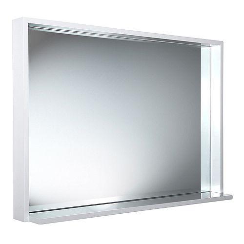 Fresca Allier miroir mural encadré 39 po L x 31,50 po H avec tablette en blanc