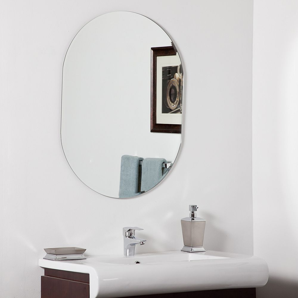 Decor Wonderland 32-inch  x 24-inch Oval Khloe Modern Bathroom Mirror with Bevelled Edge and Dual Mounting Brackets