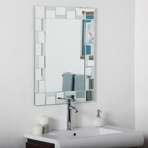 Decor Wonderland 32-inch  x 24-inch Rectangle Quebec Bathroom Mirror with Bevelled Edge and Dual Mounting Brackets