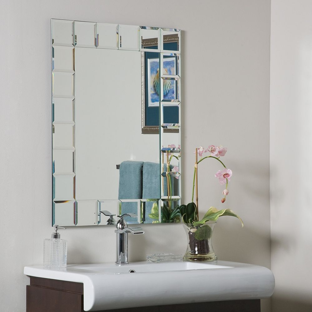 Decor Wonderland 32-inch  x 24-inch Rectangle Montrea lBathroom Mirror with Bevelled Edge and Dual Mounting Brackets