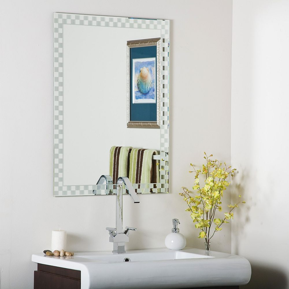 Decor Wonderland 32-inch  x 24-inch Rectangle Checkmate Frameless Mirror  Polished Edge and Dual Mounting Brackets