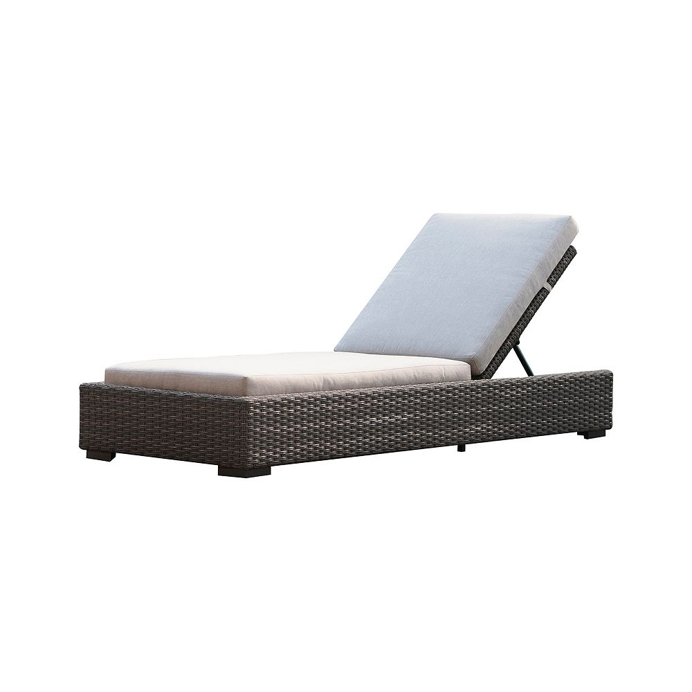 Patio Plus Brentwood  Wicker Patio Chaise Lounge with with Sunbrella Cast Silver Cushions