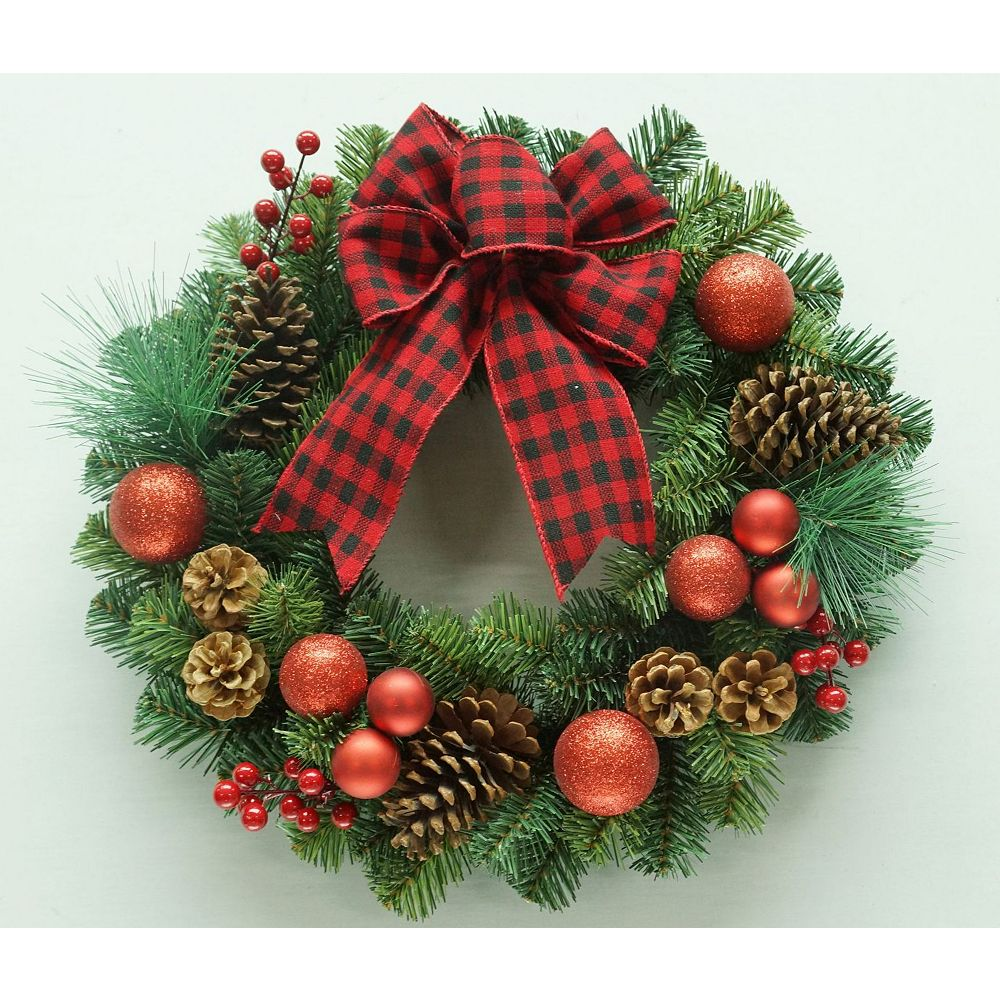 Home Accents Holiday 22-inch Decorated Pine Christmas Wreath
