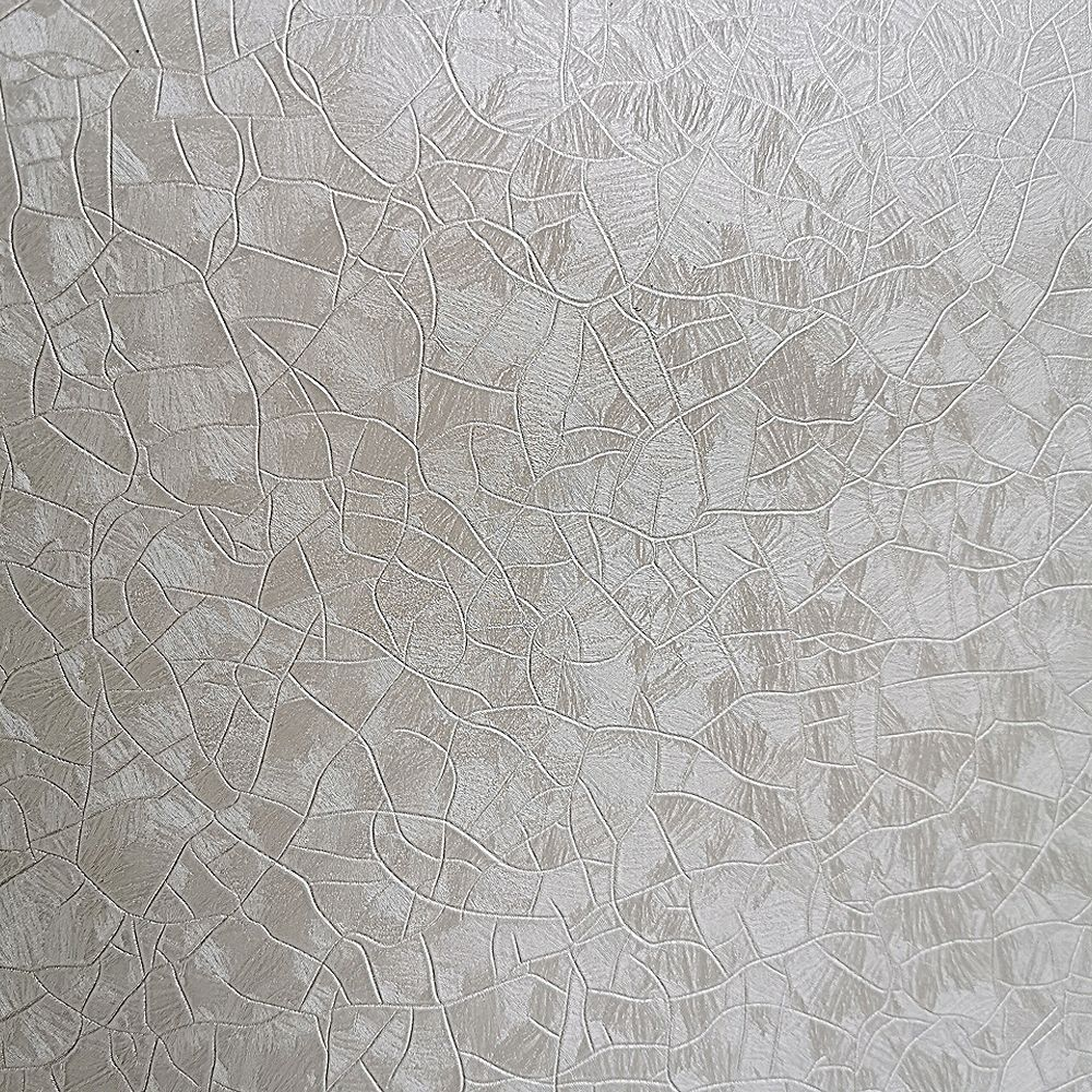 Dundee Deco Falkirk McGowen 35.5 sq. ft. Peel and Stick Alabaster White Light Beige Crackles Wallpaper