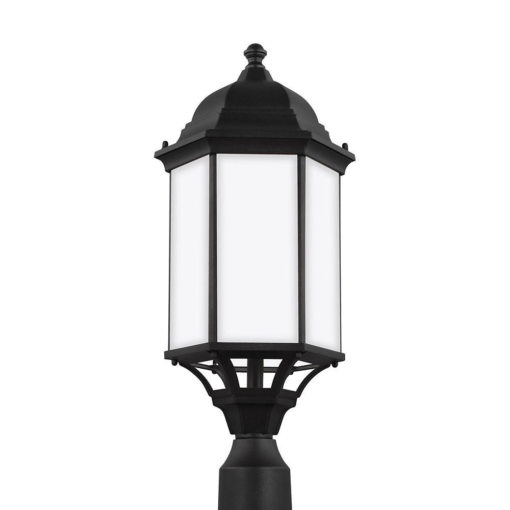 Sea Gull Lighting Sevier  Grande lanterne de poteau ext. à 1 amp. 100 W, noir avec panneaux en verre gravé satiné