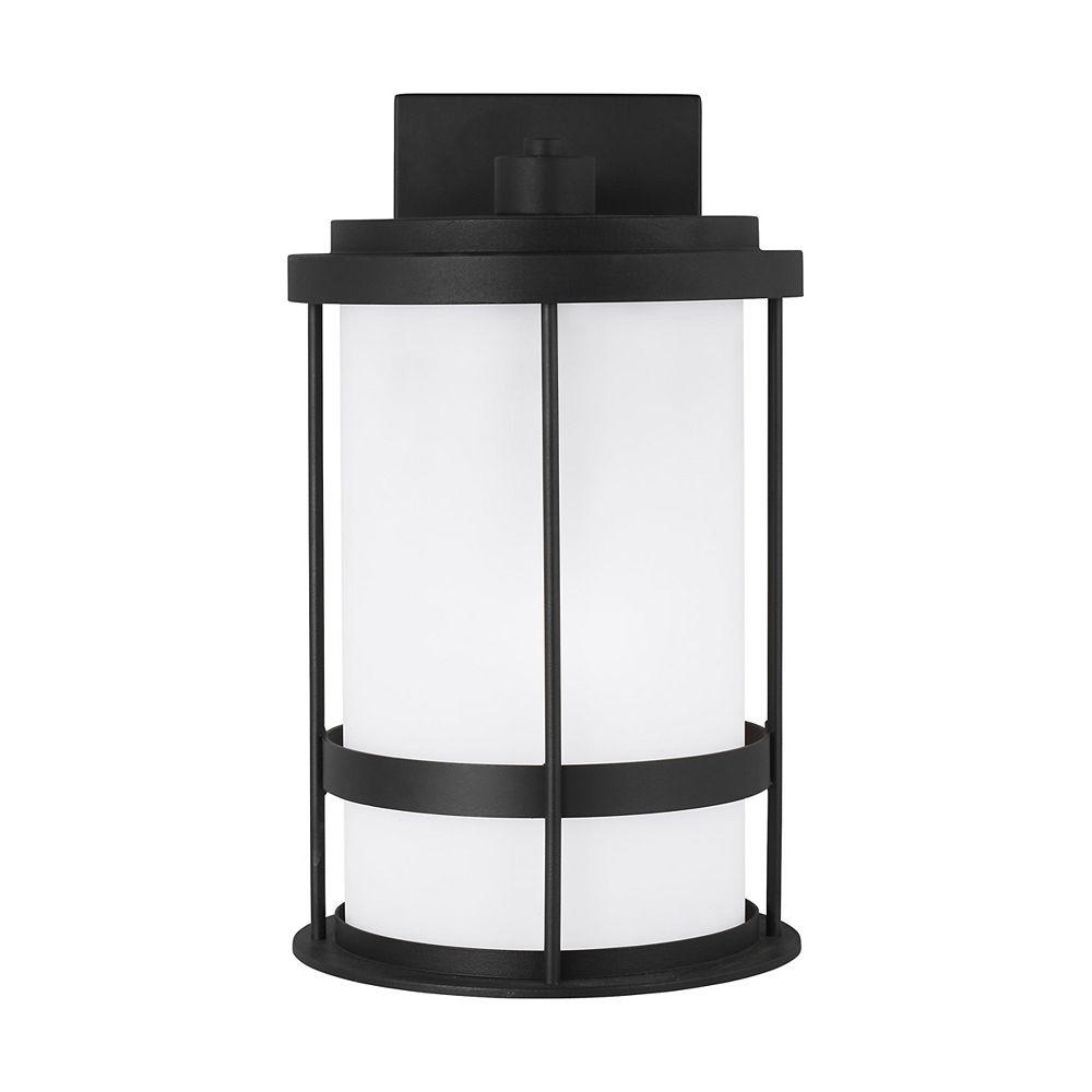 Sea Gull Lighting Wilburn Lanterne murale moyenne ext. à 1 ampoule 60 W, noir avec abat-jour en verre gravé