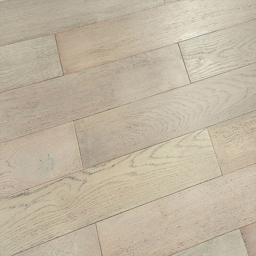Juno Rivington Grey Slate 1/2-inch T x 5-inch W x Varying L Eng. Hardwood Flooring (16.15 sq.ft./case)